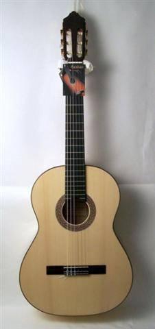 גיטרה קלאסית תוצרת ספרד AZAHAR 31A FLAMENCO